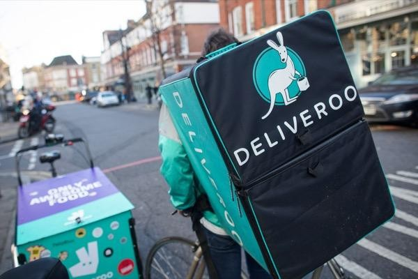 Deliveroo share price crashes on debut, will selling pressure persist?