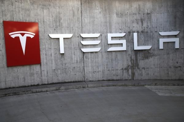Tesla share price dips, Burry reveals $500m short on the automaker